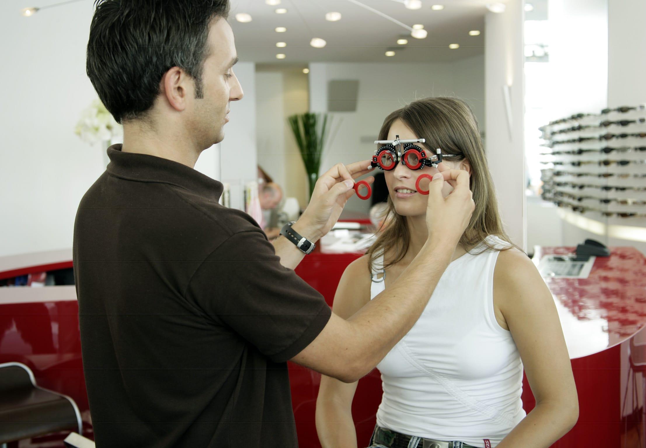Augenoptiker und Optometristen im Namen vereint