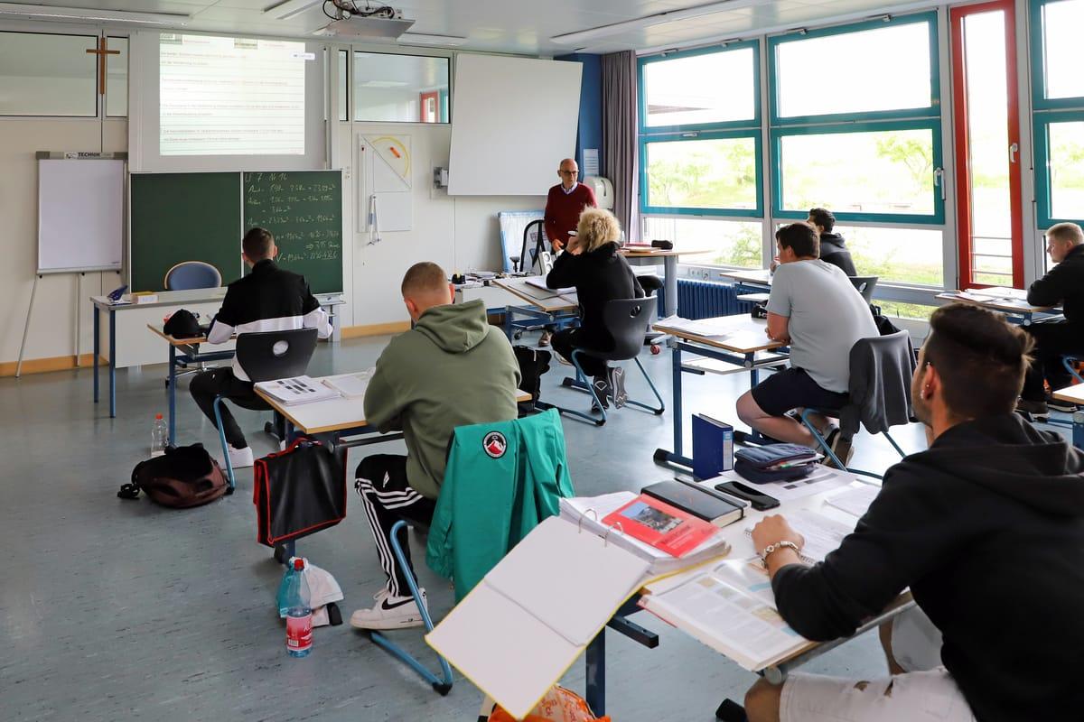 Berufsschule: Was seit 2020 als Arbeitszeit angerechnet wird