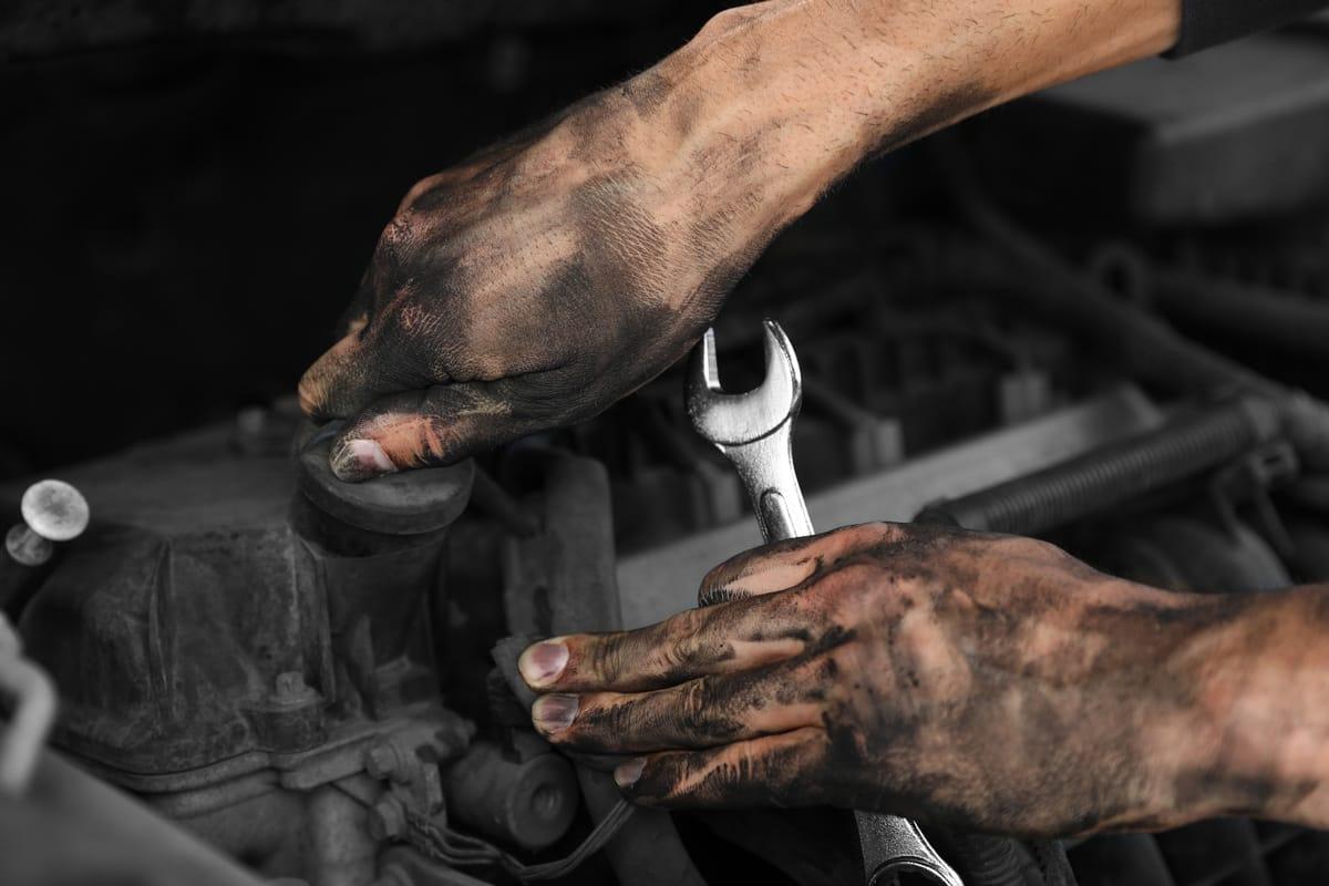 44 Handwerker zeigen: Dieses Werkzeug ist typisch für meinen Beruf