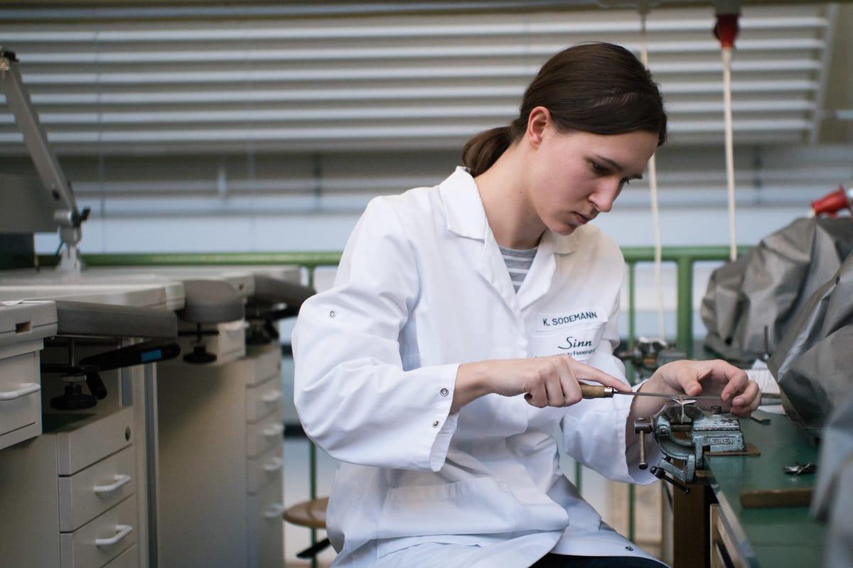 Wie das Uhrmacherhandwerk auch junge Leute noch begeistert