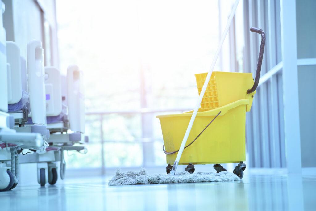 Reinigungsuntensilien im Krankenhaus
