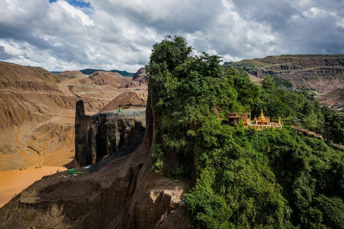 Buddhistischer Tempel in Jade-Bergwerk Hpakant