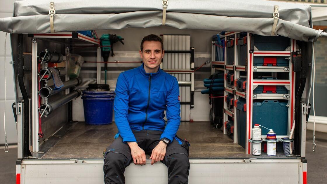 Plötzlich Instagram-Star: Fliesenlegermeister begeistert Millionen
