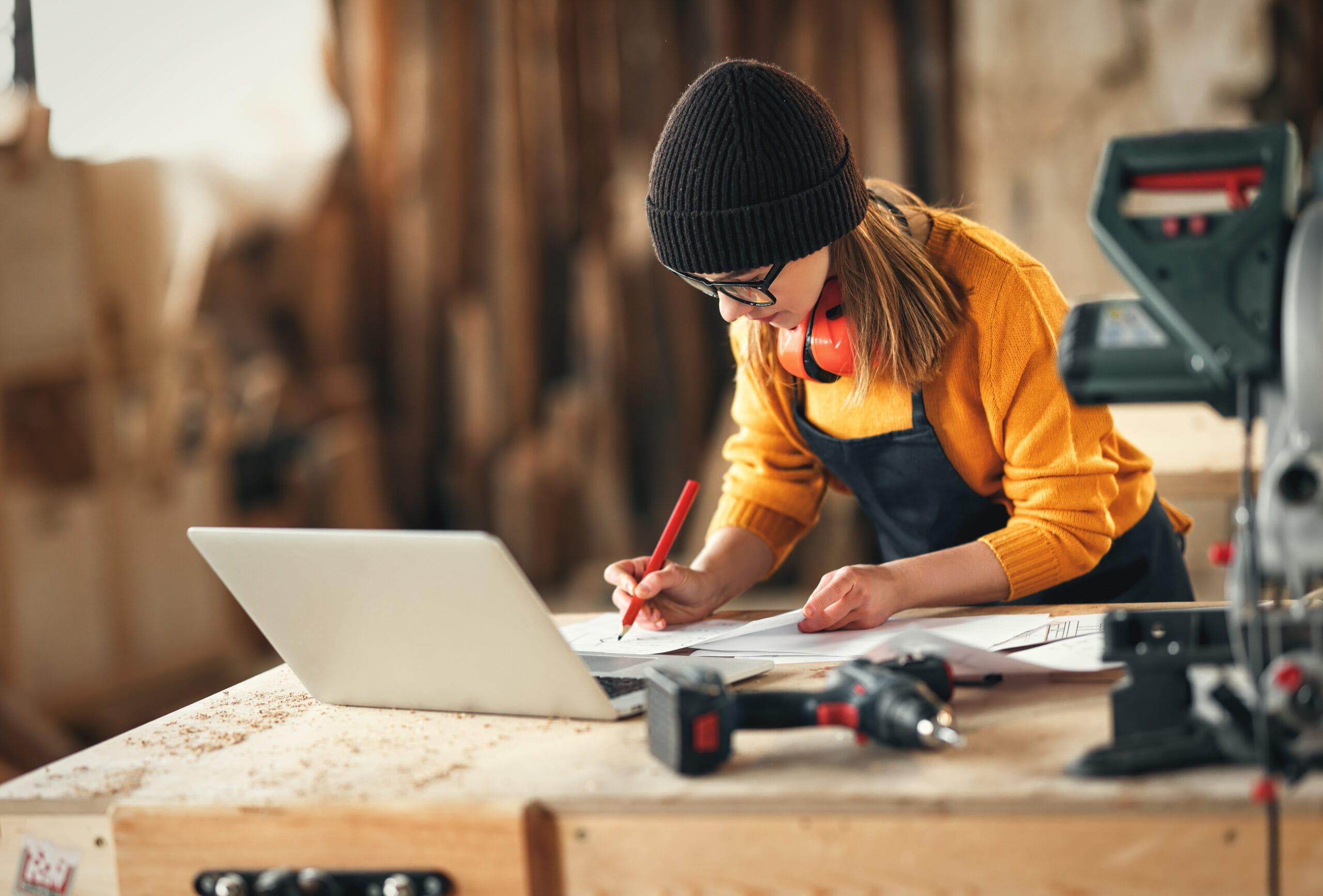 Hoodies, Caps & Instagram: Junge Handwerker zwischen Tradition und Moderne