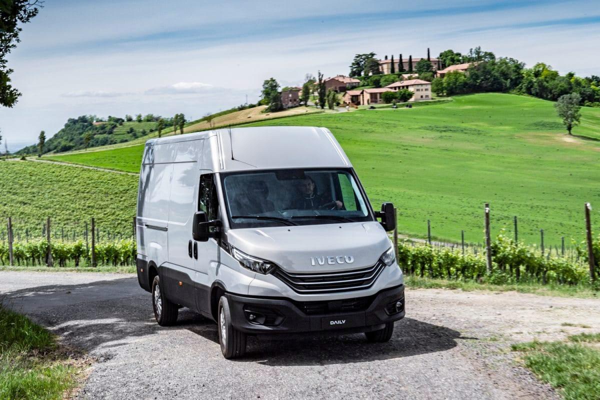 Iveco Daily: Transporter mit virtuellem Kumpel im Cockpit