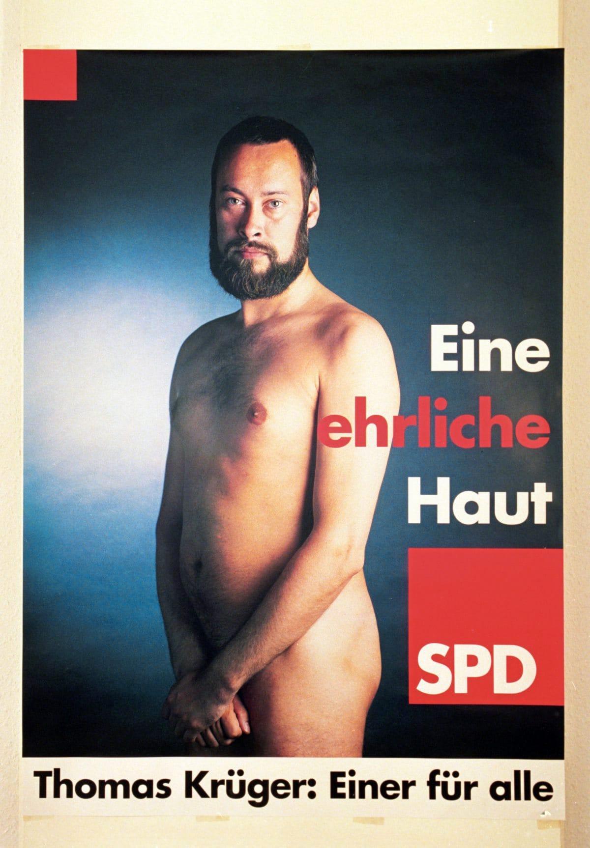 Der Berliner Jugendsenator Thomas Krüger nackt auf einem SPD-Wahlplakat