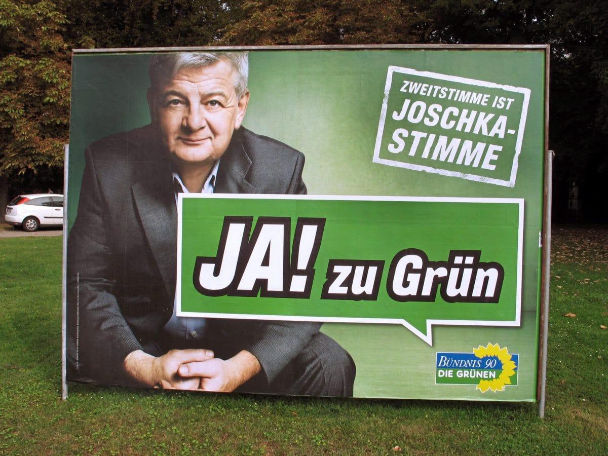 """Joschka Fischer mit dem Slogan """"Ja! zu Grün"""""""
