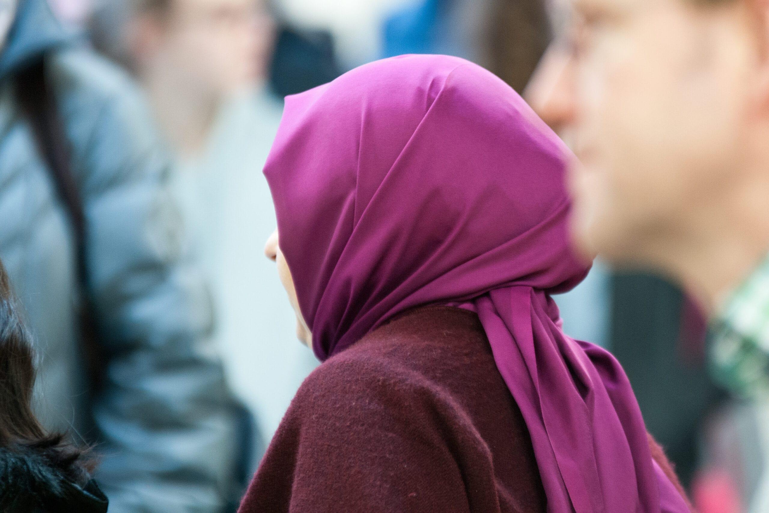 Hohe Hürden für Kopftuchverbot auf der Arbeit