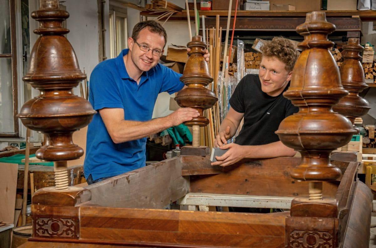 Marco Lohmann mit seinem Lehrling Franz Müller