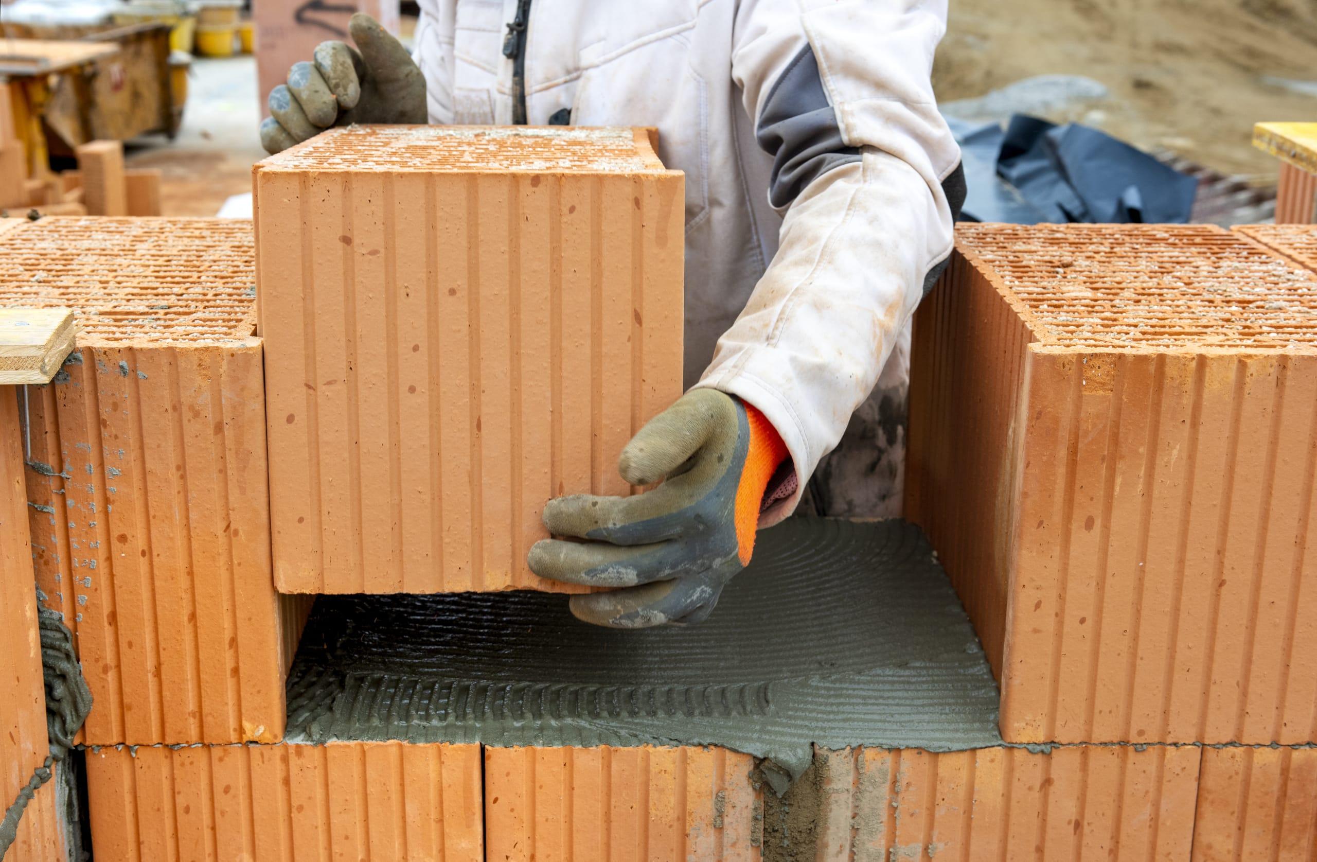 Heldenhafter Einsatz für den Bau