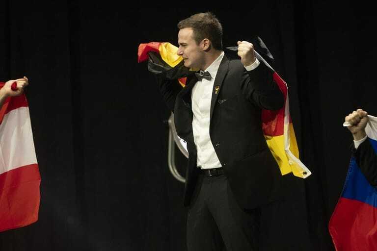 Simon Dorndorf bei Siegerehrung zu den EuroSkills 2021
